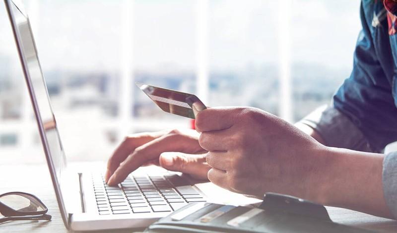 Utiliser internet pour effectuer un achat important est de plus en plus courant. Vous pouvez chercher, vous renseigner, discuter avec des experts, récolter des informations, ou comparer